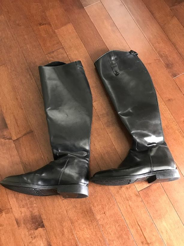 Tuff Rider leather riding boot - size 10