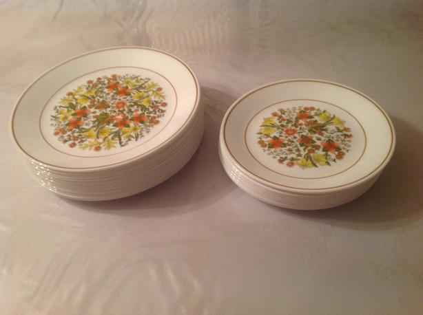 Corelle Corningware dinner plates, mugs and other glass items for sale
