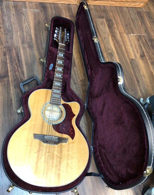 Takamine EG523SC-12, 12 String Acoustic Electric with Hard Shell