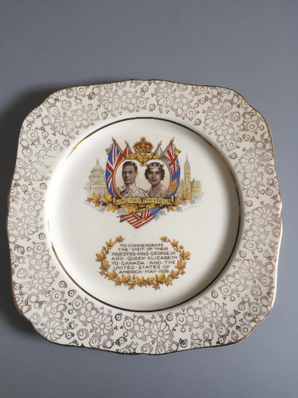 King George VI & Queen Elizabeth 1939 Commemorative Plate