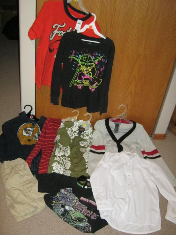 8 boys clothing items in size 6-7