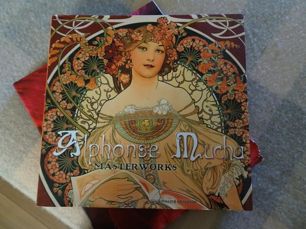 Alphonse Mucha, Flower Photography and acne book