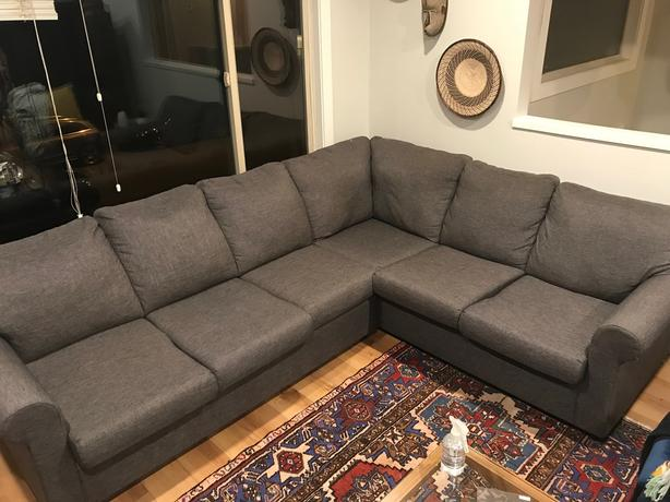 Surprising Grey Sectional Couch W Pull Out Bed Excellent Condition Ibusinesslaw Wood Chair Design Ideas Ibusinesslaworg