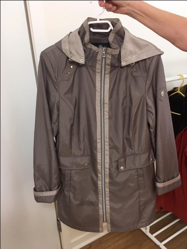 Ladies Raincoat - Size 14