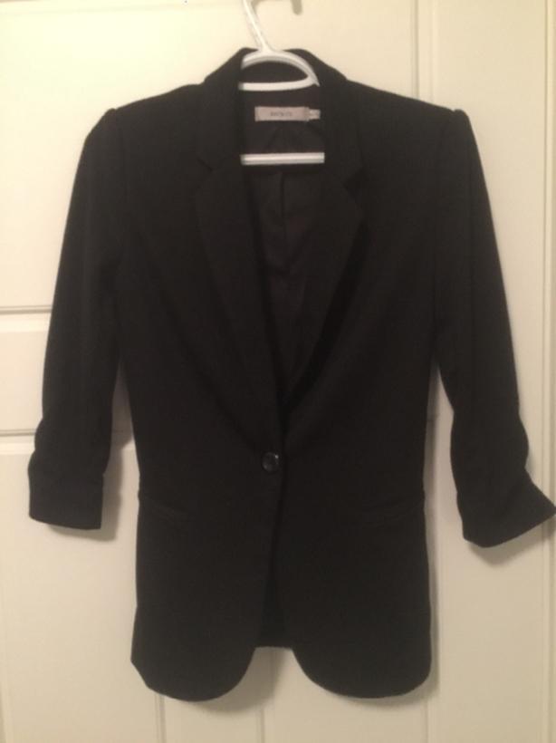 ***REDUCED - Ricki's Women's Black Blazer For Sale
