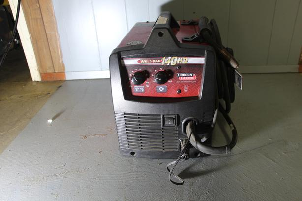 Lincoln Weld Pack 140HD 110V Electric Wire Feed Welder - EXC