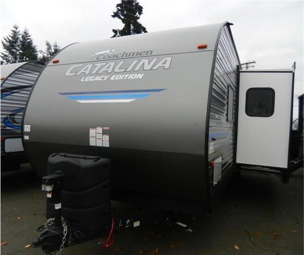 2019 Catalina Legacy Edition 243RBS
