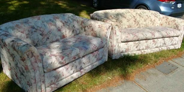 FREE: Free Couches