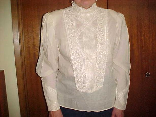 VICTORIAN STYLE COCKTAIL BLOUSE
