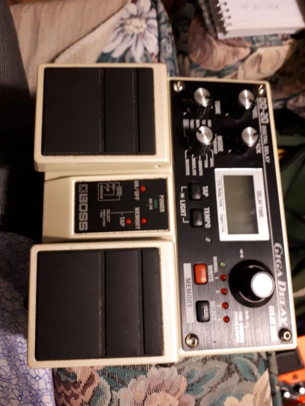 Boss pedal dd-20 giga delay effect