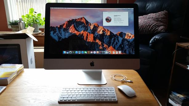 """APPLE iMac 21.5"""" - Mid 2011 MC309LL/A with keyboard, mouse & back-up drive"""