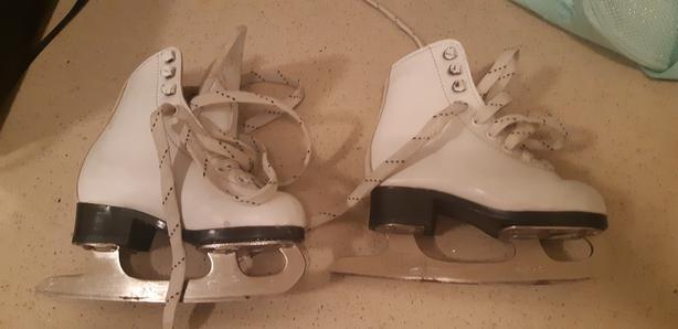 Child/Youth Figure Skates - Cameo Size 10