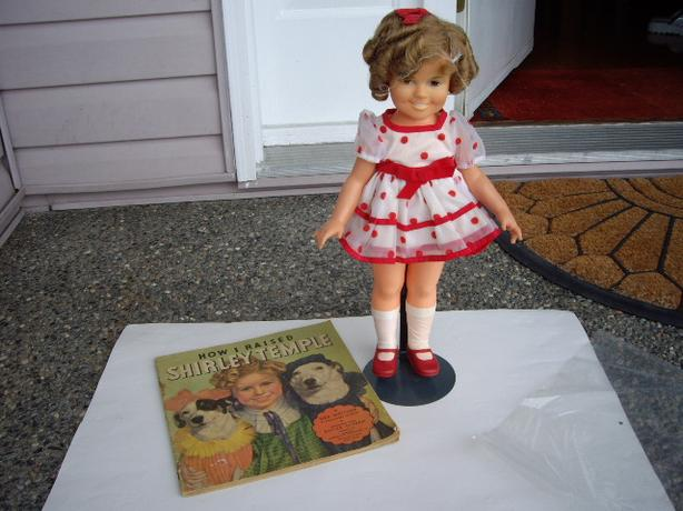 SHIRLEY TEMPLE DOLL W BOOK