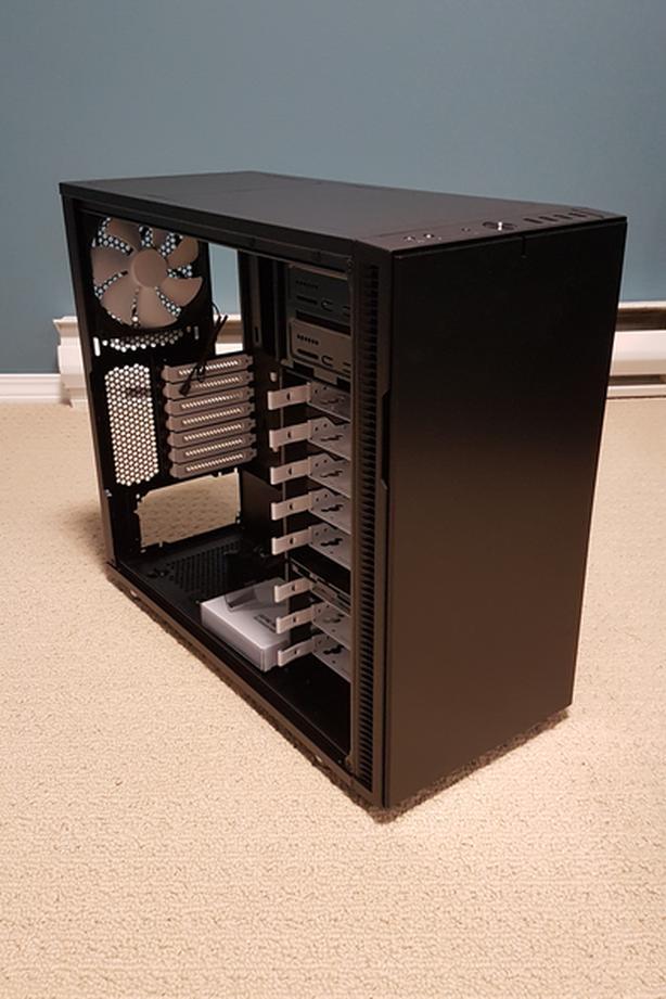 Fractal Design R5 case