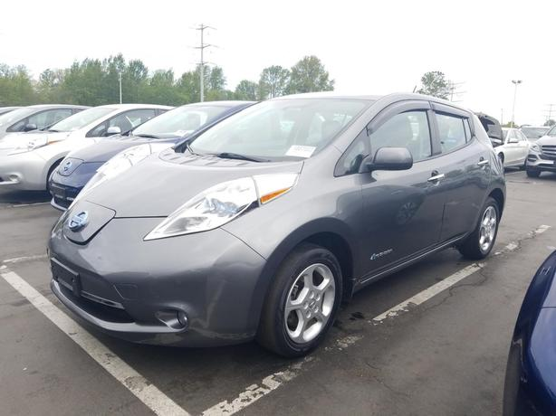 2015 Nissan LEAF SV – Quick Charge Package – Premium Package STK#M8767