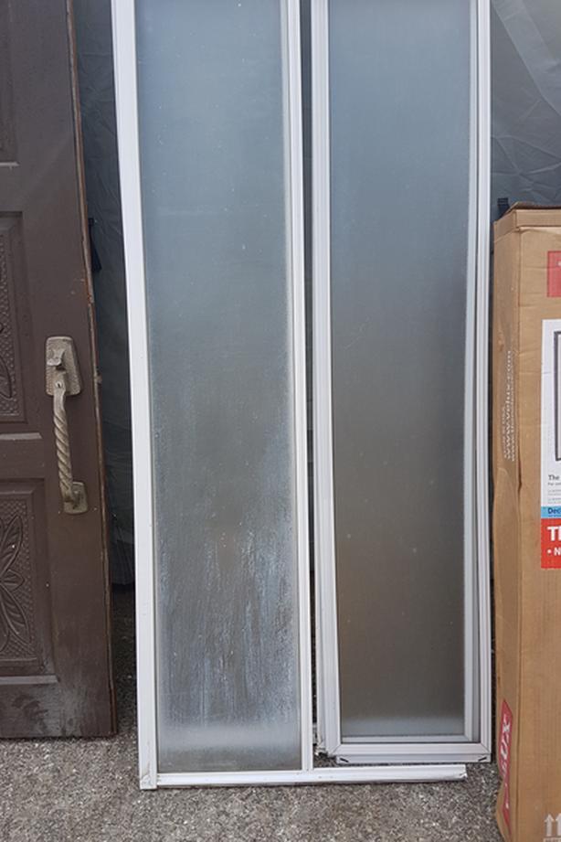 FREE - CORNER MOUNT GLASS SHOWER DOORS