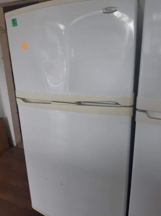 Whirlpool fridge (#6015)