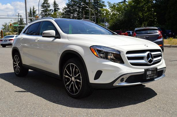 2017 Mercedes-Benz GLA 4MATIC GLA 250 - Loaded!