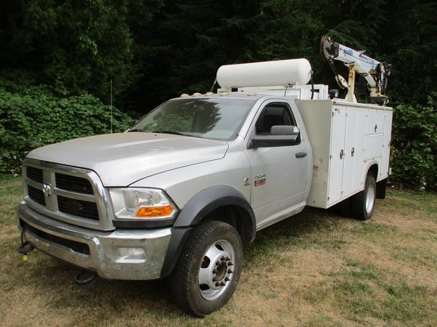 2012 Dodge 5500 4x4 Diesel service truck ARP head studs