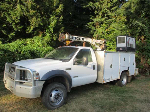 2007 Ford XL F550 4x4 Diesel service truck ARP Head studs