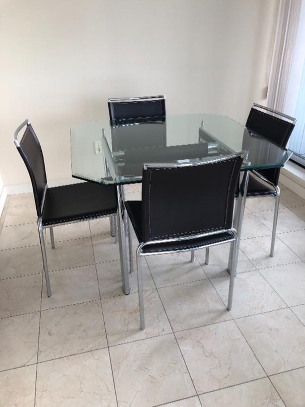 Lovely Walter Gropius designed dining  table/chairs