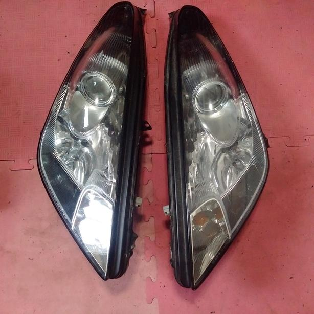 2000-5 celica gt-gts headlights for parts