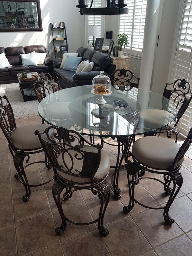 Ashley Kitchen Table Set