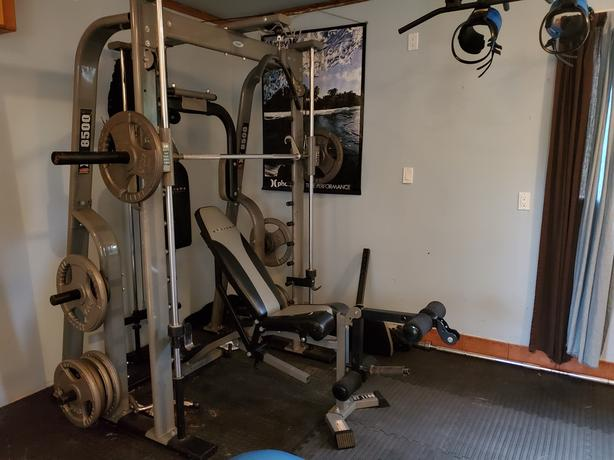 Smith Machine with bench and 400lb of weight