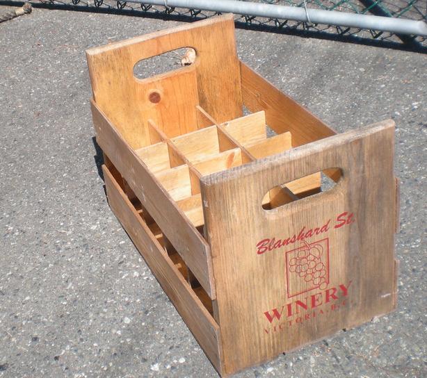 WOODEN WINE HOLDERS (vintage )