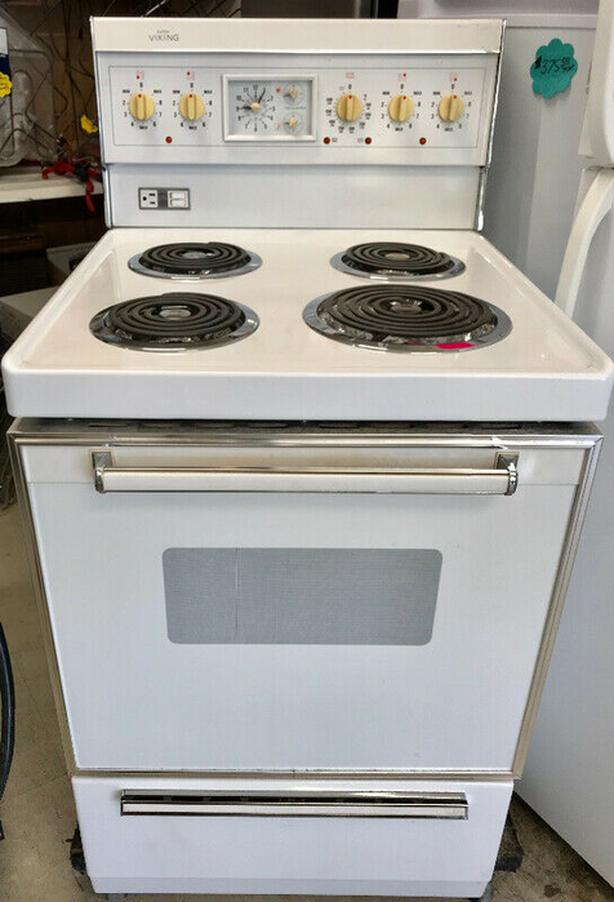 Apartment size stove