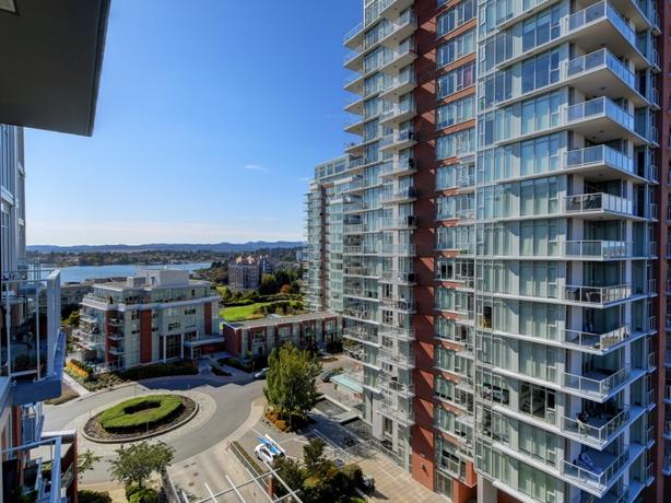 Luxury Condo at Bayview Place
