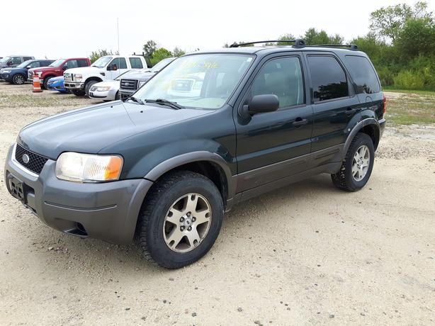 2003 Ford Escape XLT - Wholesale **AS IS** 9X060B