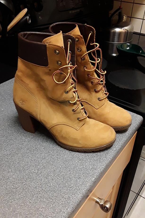 Timberland boots women size 8