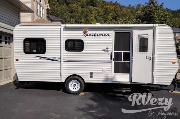 Sportsman Classic (Rent  RVs, Motorhomes, Trailers & Camper vans)