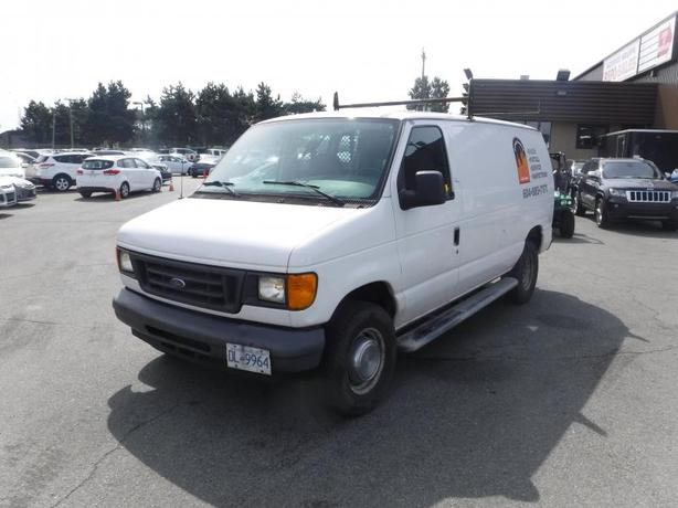 2006 Ford Econoline E-250 Cargo Van with Ladder Rack and Bulkhead Divider