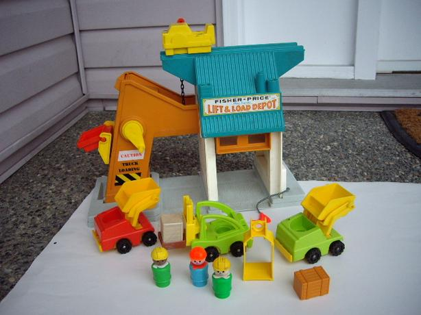 FISHER PRICE LIFT AND LOAD 1977