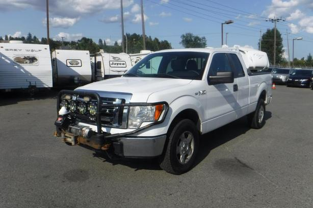 2012 Ford F-150 XLT SuperCab 6.5-ft. Bed 4WD with Warn Winch and Power Inverter