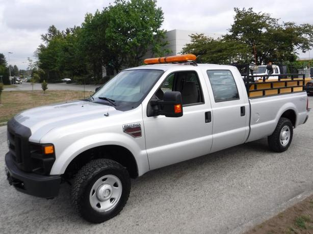 2009 Ford F-250 SD Plow Truck Crew Cab 4WD Diesel with plow blade