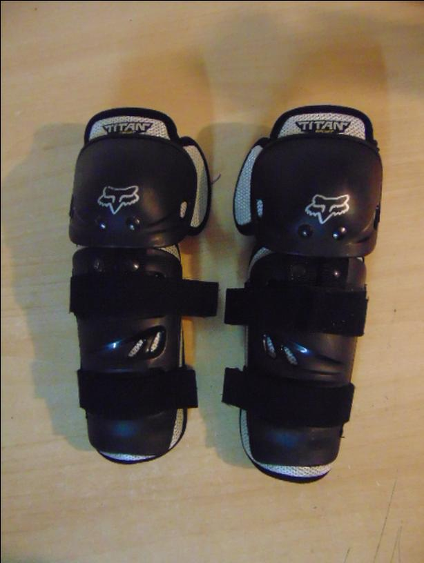 Motocross Dirt Bike BMX Bike Shin Pads Child Size 6-8 Fox