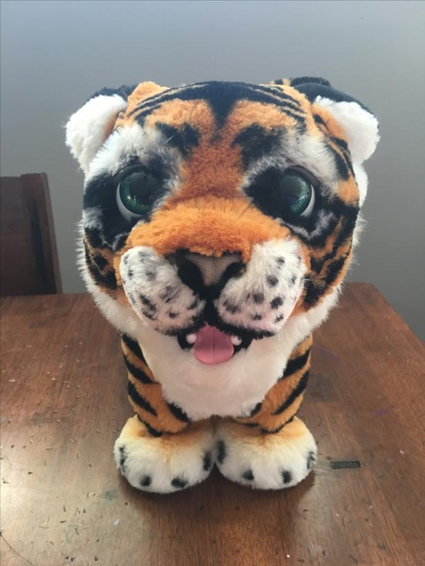 NEW Animatronic Tiger (FurReal Roarin' Tiger)