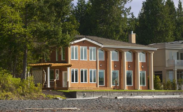 2377 HIGGINSON ROAD / Stunning Rental in Nanoose Bay on Vancouver Island!
