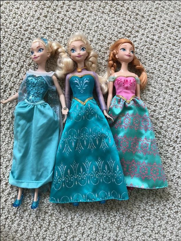 Frozen dolls - Excellent condition
