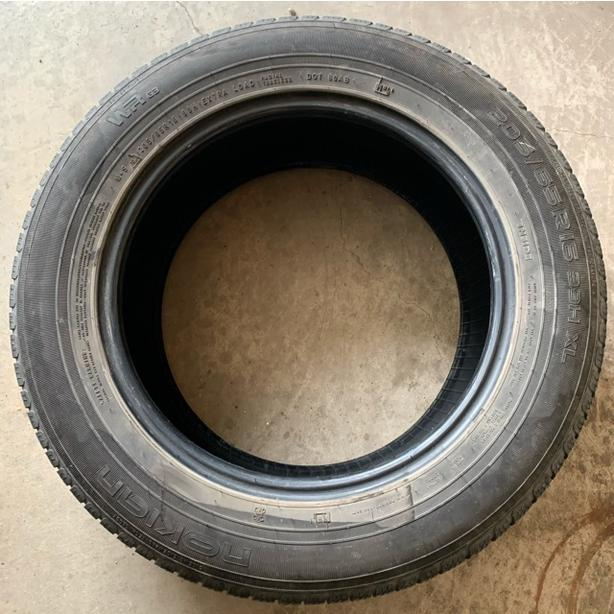 Mint Condition 1 All season tire Nokian WR- 205/65/16