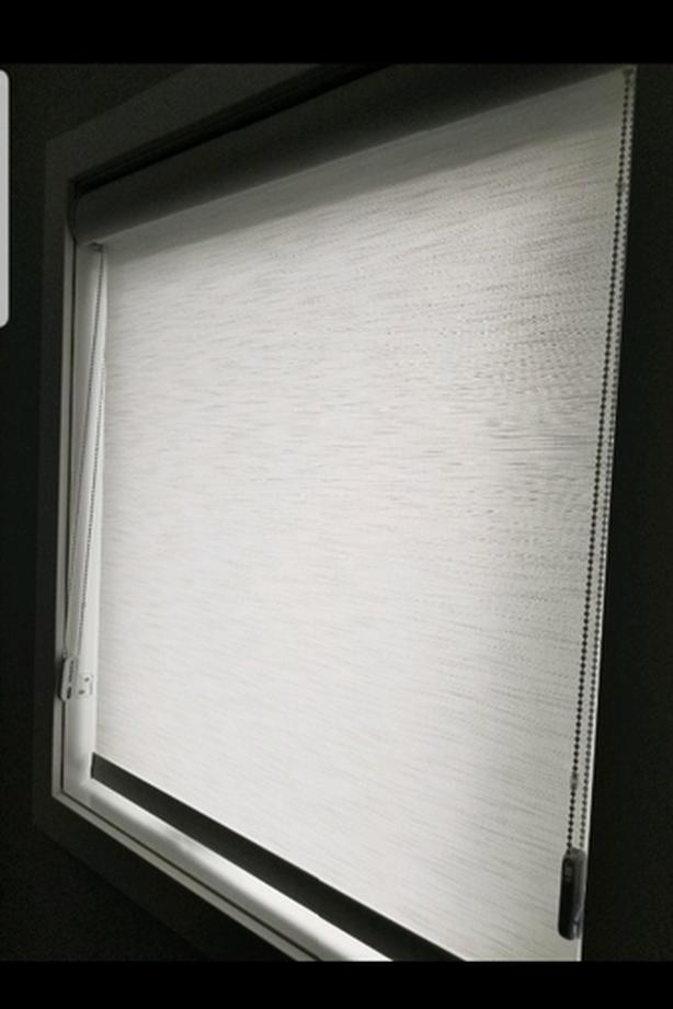 """Hunter Doulgas Roller Shade (2 available, 28""""x37"""", $100 each)"""