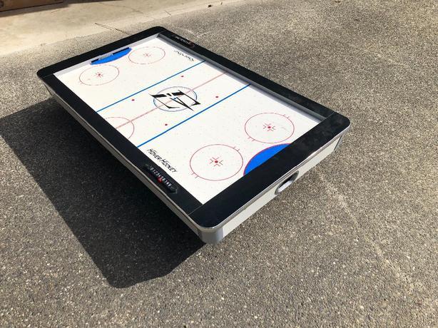 FREE: air hockey table