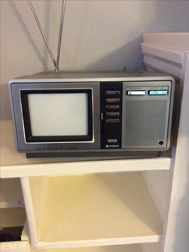 Hitachi Portable TV
