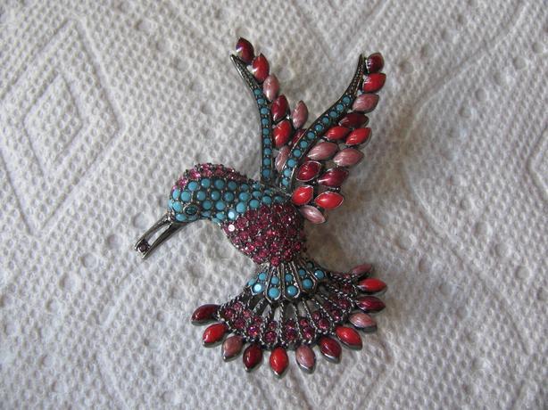 Vintage Joan Rivers Full Pave Crystal Rhinestone Hummingbird Brooch Pin