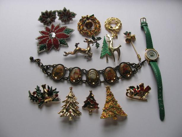 Vintage Christmas Brooch Pin Watch Bracelet Mixed Lot Avon Beatrix Coventry 14PC