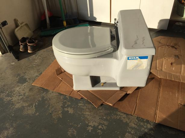 Swell Free One Piece High End Vintage Kohler Toilet Oak Bay Victoria Bralicious Painted Fabric Chair Ideas Braliciousco