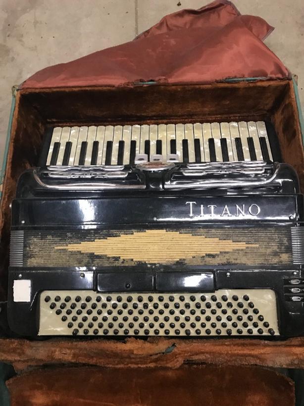 Titano accordion